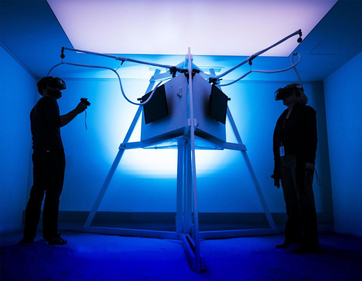 VR hardware tethering